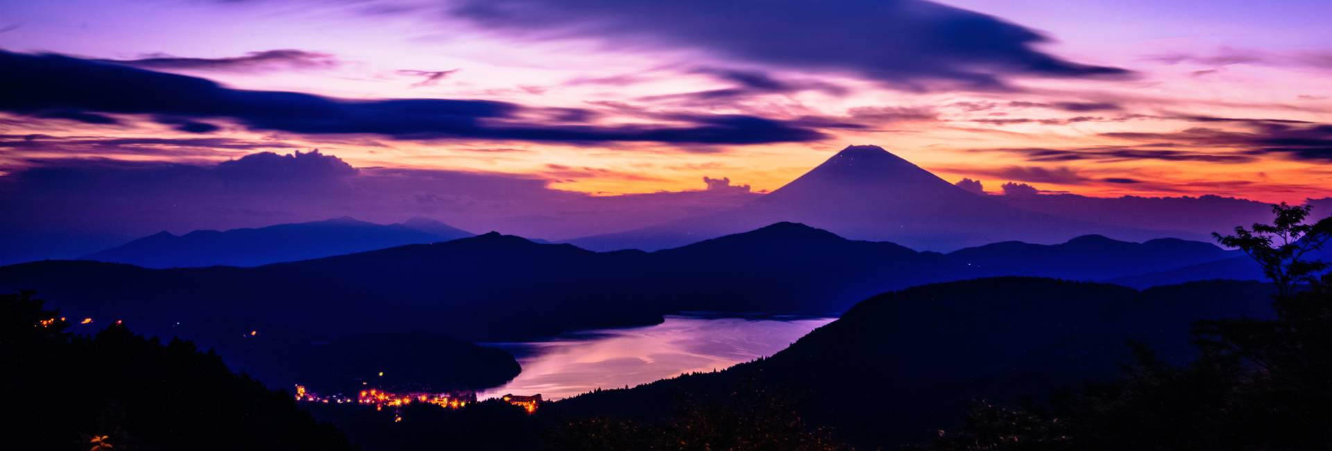 night view of Hakone and Mount Fuji