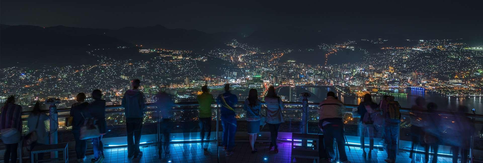 vue de nuit de Nagasaki