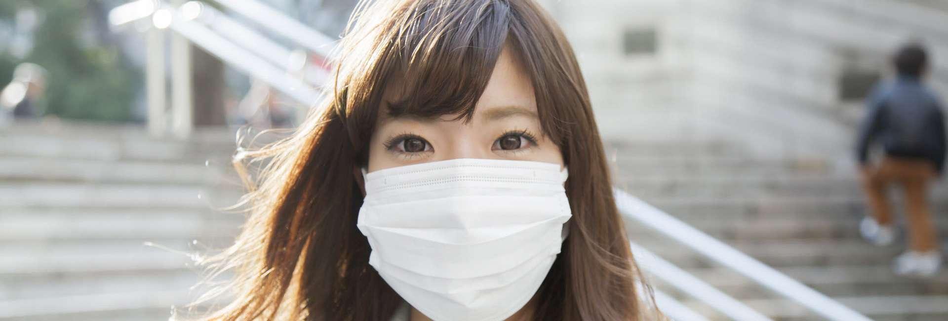 giapponesi indossano le mascherine